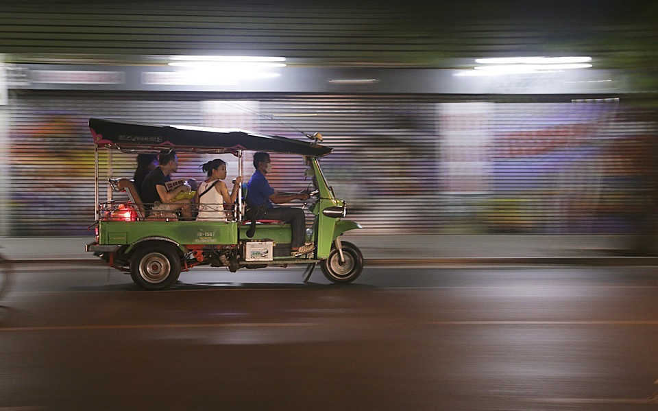 Движение на дорогах Таиланда