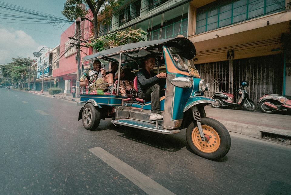 Передвижение на Тук-Туках, Таиланд