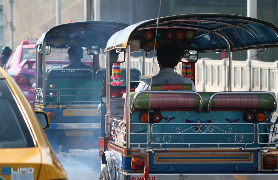 Трафик на улицах Таиланда