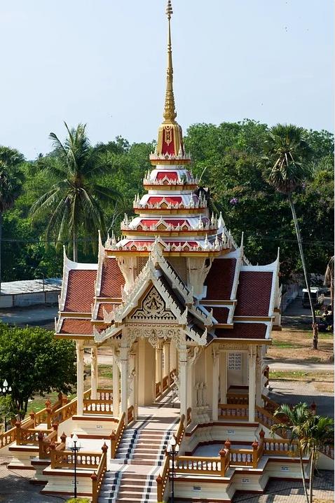 Красивый Храм на Пхукете