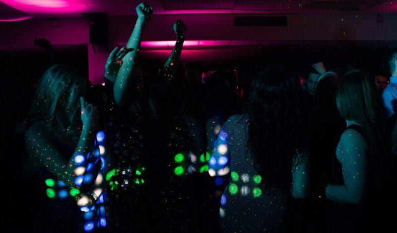 Гоу-Гоу танцы в Клубах Пхукета