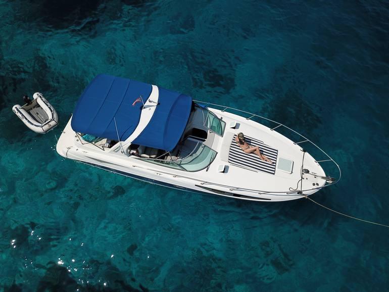 В полном объеме доступны индивидуальные поездки на катерах или яхтах на острова.
