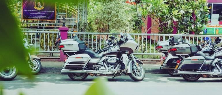 Для вождения мотоциклов понадобятся отдельные права.
